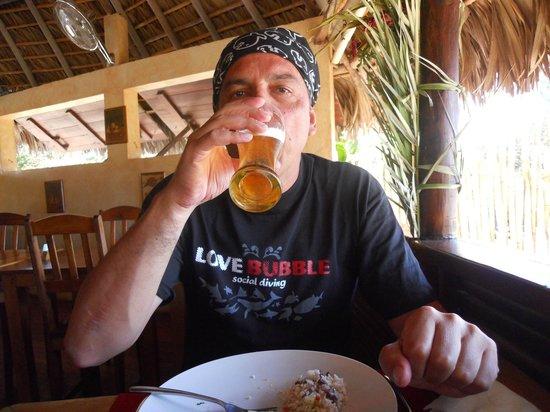 Orangea Village: Tanta fresca birra....