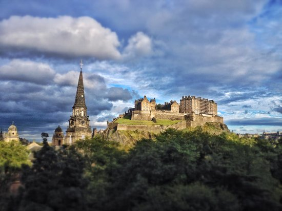 Waldorf Astoria Edinburgh - The Caledonian: View from the room