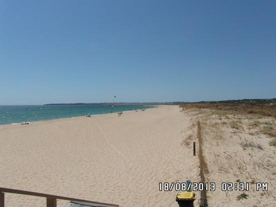 Praia de Alvor: The right end facing the sea is worth the walk, it's like having your own private beach