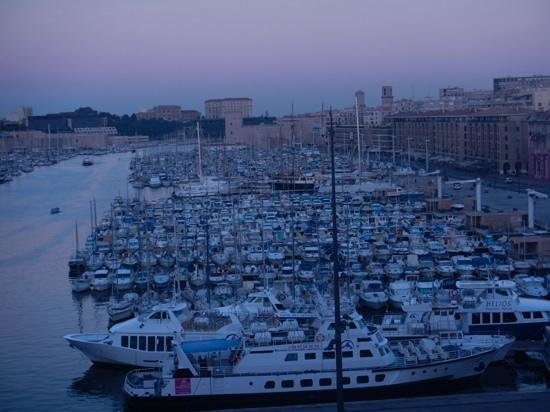 Escale Oceania Marseille Vieux Port: Morning view from Superior Room