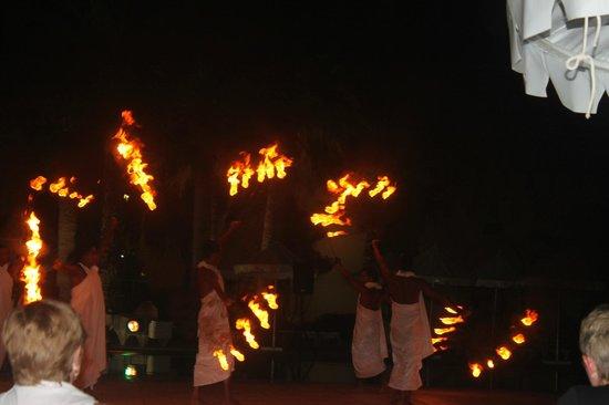 JAZ Tour Khalef Thalasso & Spa: Pool Party/Fire Show
