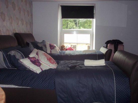 Little John Hotel: twin beds
