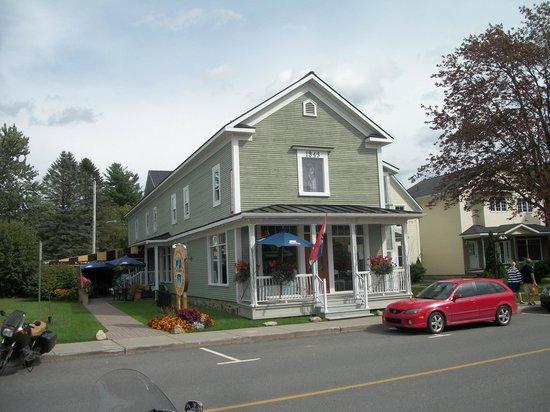 L'International: Belle vieille maison du village