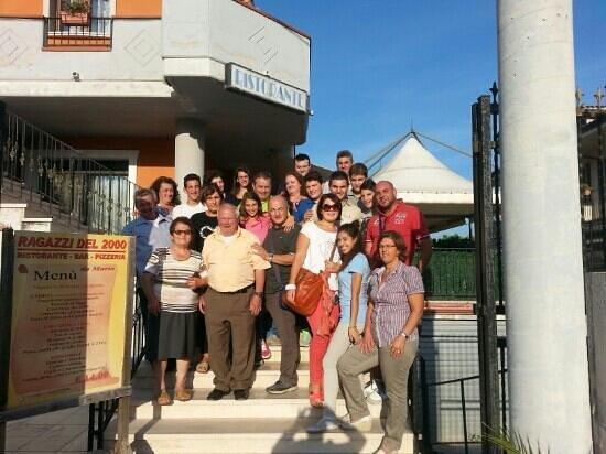 Ragazzi Del 2000: gruppo di Polla Sa... Grazie per la vostra gentilezza... di mangia benissimo!!! Alla prossimaaaa