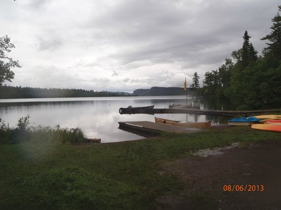 Clearwater Historic Lodge: Dock and Canoe Launch at the Lodge