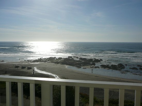 The Coho Oceanfront Lodge: Exquisite scenery from our balcony at the Coho Lodge. Can you hear the ocean calling?