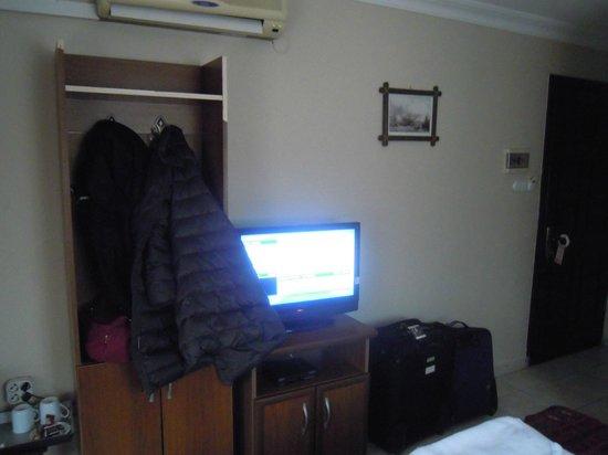 Venus Hotel: Wardrobe