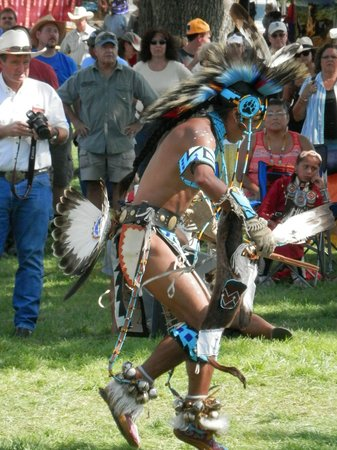 Pendleton Round-up Rodeo : Indian dancing at its finest!