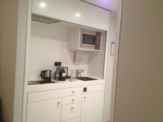 INNSIDE by Melia Dusseldorf Derendorf: Kitchenette in 'lifestyle suite'