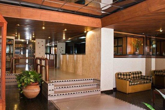 Hotel Crepusculo: Lobby