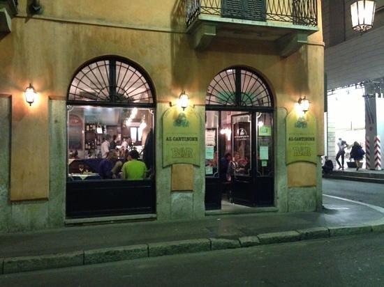 Trattoria dei Magnani Al Cantinone: outside