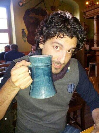 Zum Schiesshaus: brocca in ceramica di birra da 1/2 lt.