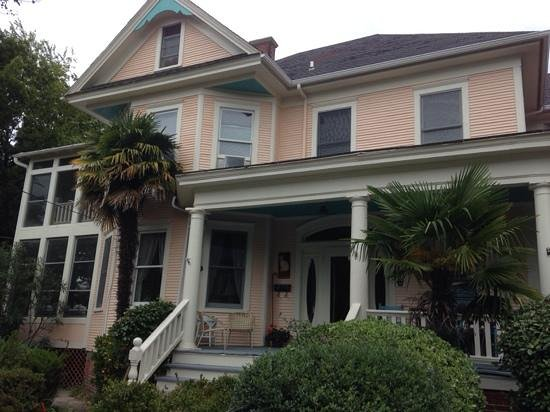 Sea Gate Bed and Breakfast : front view of Seagate B&B