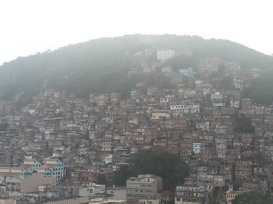"""Copacabana Rio Hotel: As """"famosas"""" favelas cariocas"""