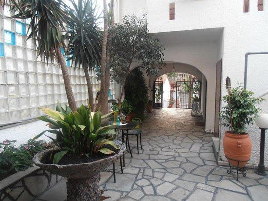 Hotel Sweet Home: Ingresso