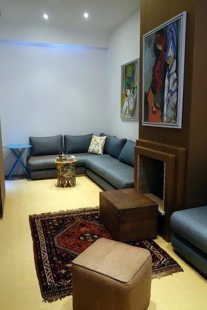 Riad Zyo : common area, enjoyed welcome tea and snack here
