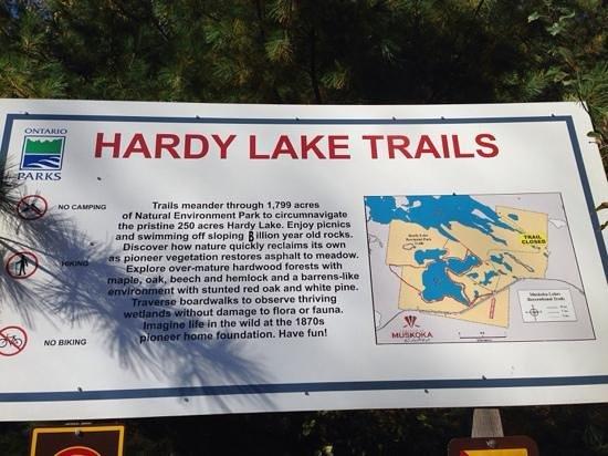 Torrance, Canadá: hardy lake trails