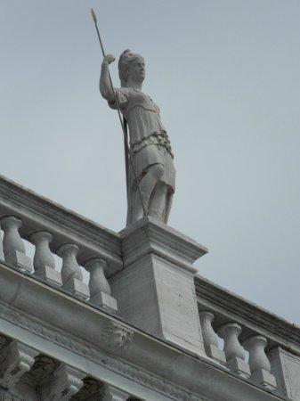 St. Mark's Square: Statue1