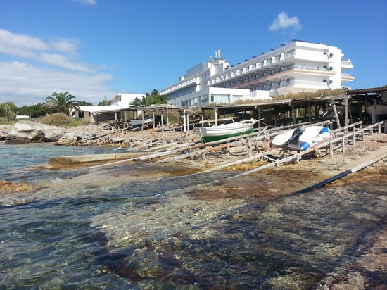 Insotel Hotel Formentera Playa: Sea outside resort