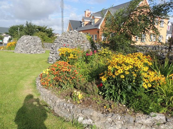 Ballyvaughan Lodge: part of the garden & front of B.Lodge