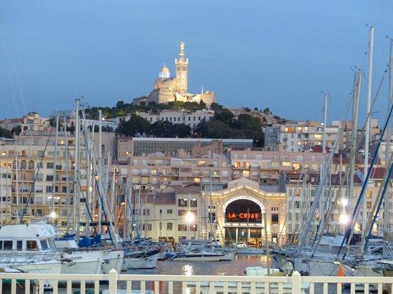 Marseille Mirror Roof L Ombrire De Norman Foster Vieux