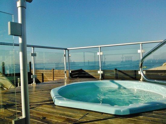 GHT Hotel Maritim: solarium con dos jacuzzi