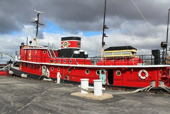 Door County Maritime Museum: The John Purves tug