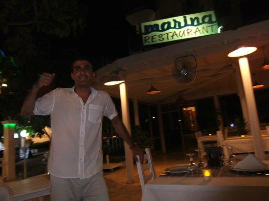 Marina Restaurant: Hassan/Luigi