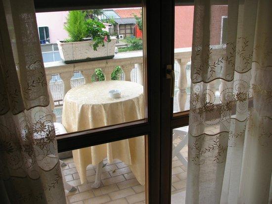 Hotel Villa Serena: Balcony