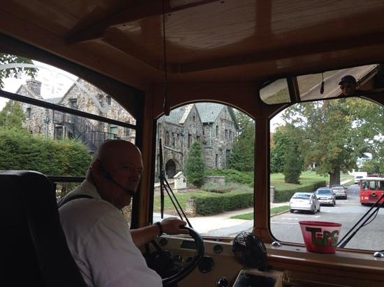 Asheville Historic Trolley (White Trolley Tour) : Brian the tour guide. Excellent!