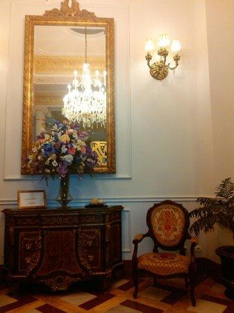 Hotel Adriano Sevilla: Lobby