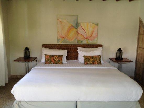 Villa Kresna Boutique Villas: Cozy bed