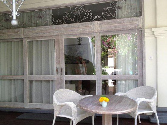 Villa Kresna Boutique Villas: Patio