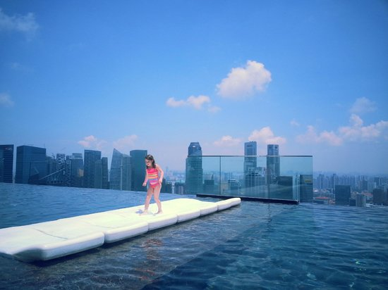 Pool sunny day picture of marina bay sands singapore tripadvisor - Singapore marina bay sands pool ...