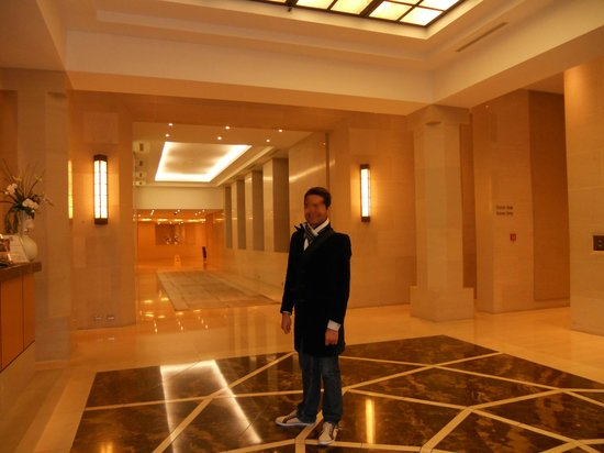 Metropolis : lobby