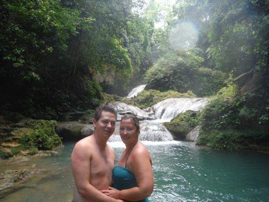 Blue Hole: waterfalls