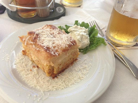 Parthenon Art Hotel : Pastitsio