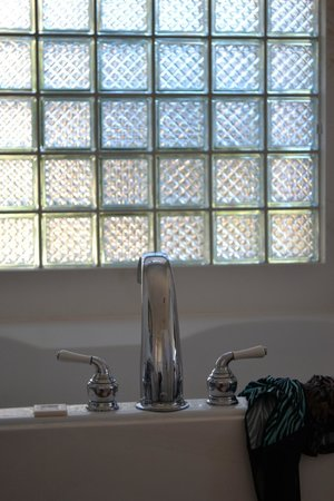 The Penrose B&B: window over the jacuzzi