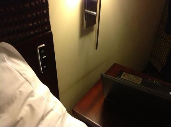City Lodge Hotel OR Tambo Airport: no sockets!