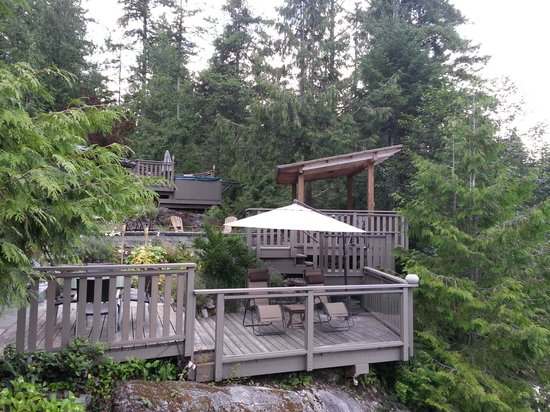 Sakinaw Lake Lodge: The lodge