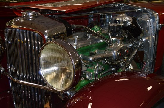 Tallahassee Antique Car Museum : 1931 Duesenberg Model J Double Cowl Phaeton Engine