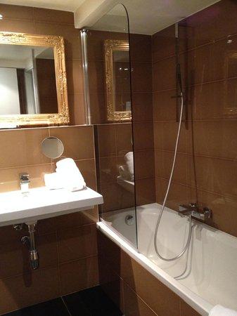 Hotel La Villa Cannes Croisette : Bathroom