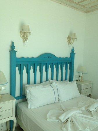 Mavi Beyaz Hotel : oda