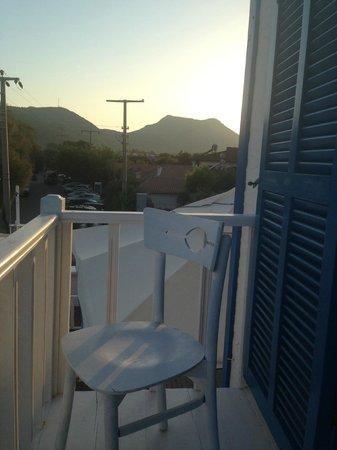 Mavi Beyaz Hotel : oda balkon