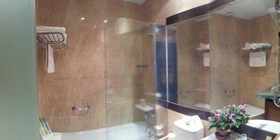 Hotel Afan de Rivera: Amplio, cómodo y moderno