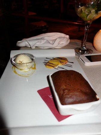 Osteria Del Porto: soufflé au chocolat accompagné de glace