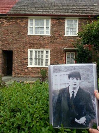 Fab Cabs of Liverpool Tours: a casa em que Paul morou , hj Patrimônio Histórico do National Trust