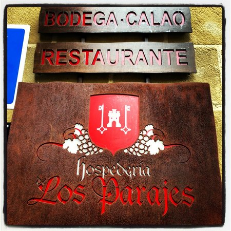 Hotel Hospederia de los Parajes: Hotel sign as you are looking from town square