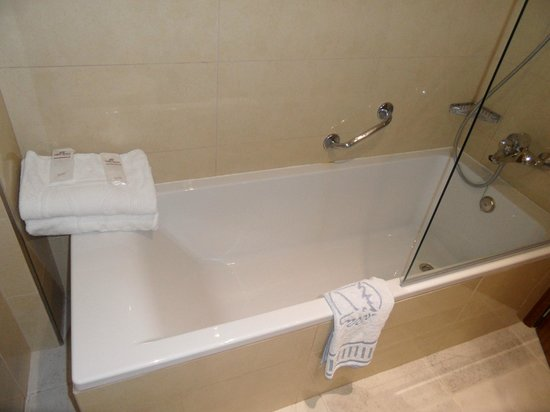 FERGUS Style Pollensa Park SPA: Bathroom