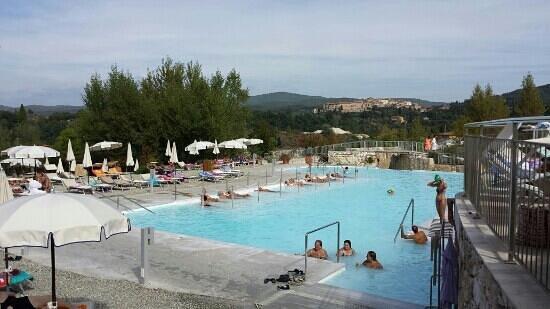 Rapolano Terme, อิตาลี: piscina esterna